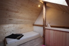 Hostel (3)